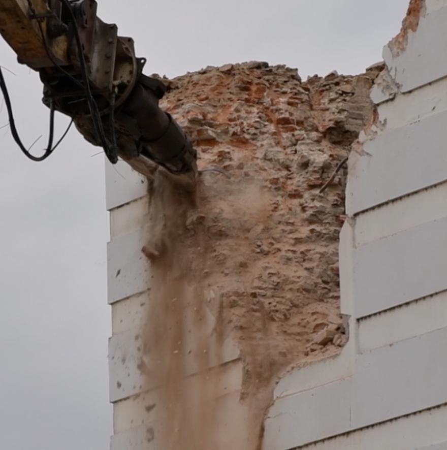 Sisačka katedrala oštećena je u prosinačkom potresu: Započelo je naloženo rušenje zvonika