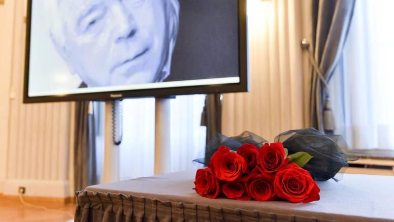 Novinari se pozdravili s nagrađivanim Vjesnikovim novinarom Jovanom Hovanom