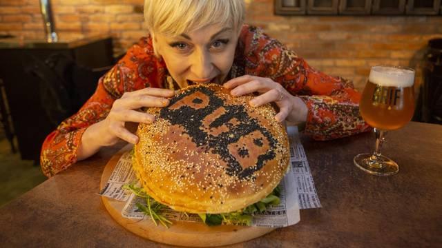 Izazov: Tko pojede ovaj burger u 30 minuta, neće ga platiti