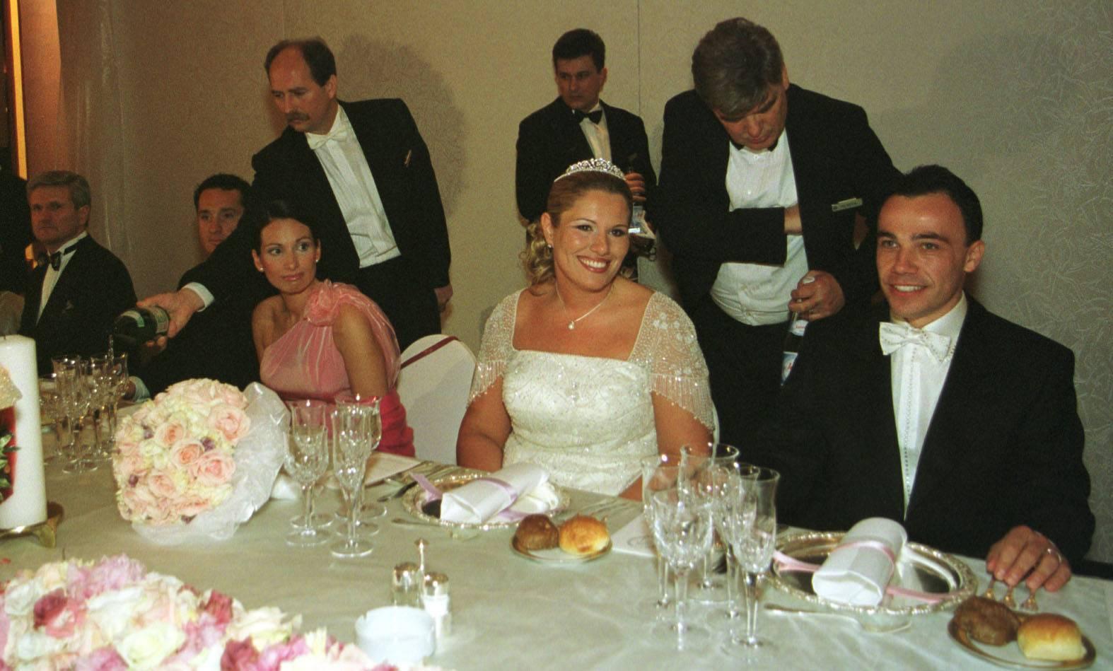 Iva i Hrvoje u blokadi: 'Sjeli' su joj na vilu, a njemu na račune