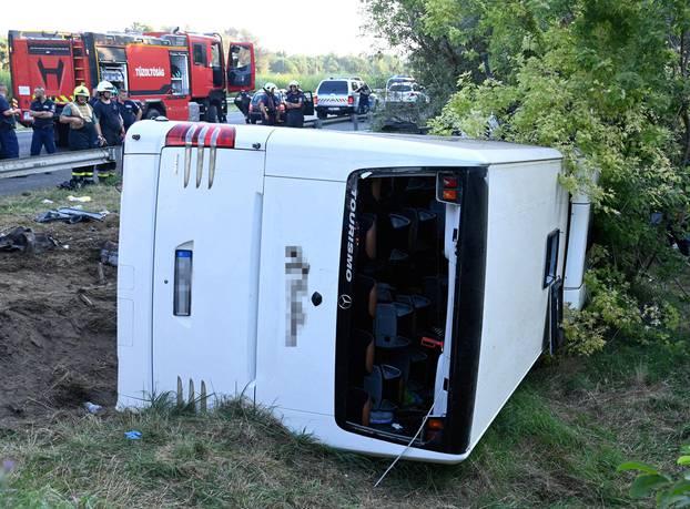 Deadly bus crash near Szabadbattyan