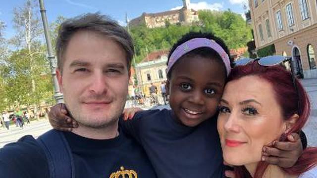 Nisu mogli posvojiti u Hrvatskoj pa su otišli u Afriku: 'Rekli su nam da ih ne trebamo zvati'