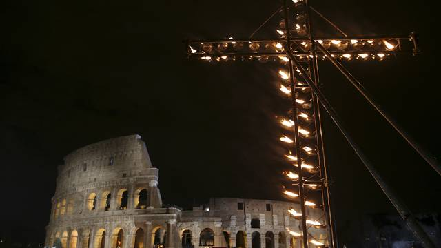 Papa osudio terorizam: Svetim imenom žele opravdati nasilje
