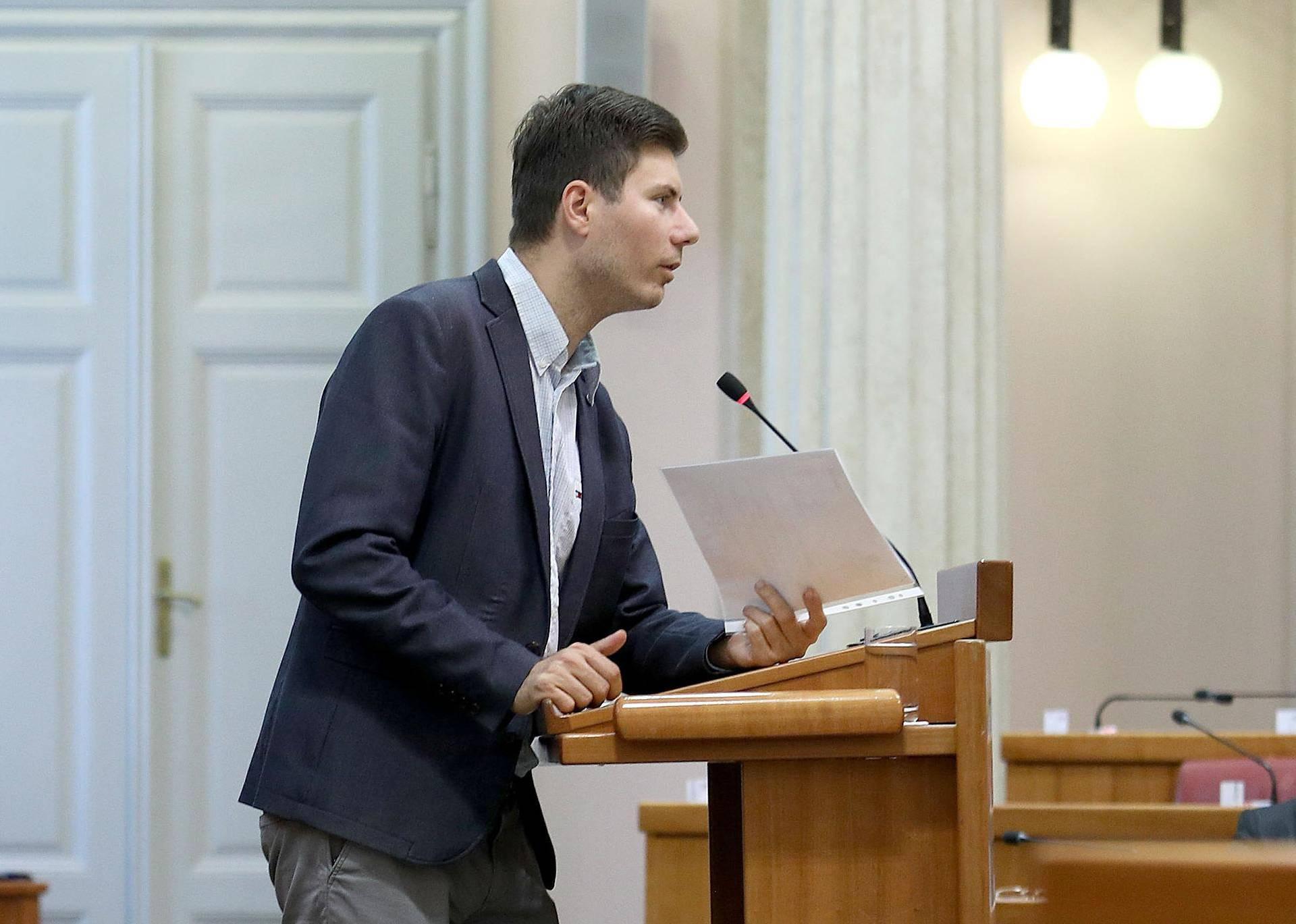 Zagreb: Sabor odbacio prijedlog oporbe za opoziv ministra Kujundžića