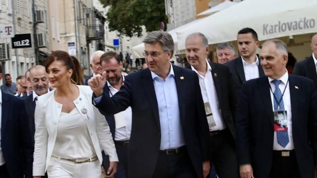 Premijer Andrej Plenkovic sa suradnicima stigao je u Sinj