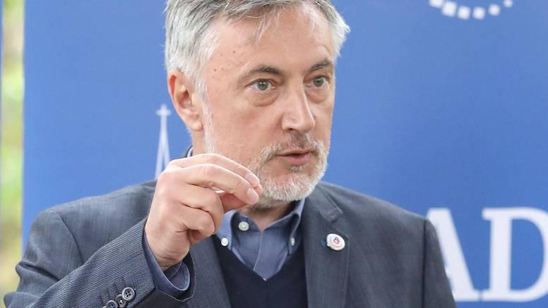 Miroslav Škoro i Domovinski pokret htjeli su da ih se shvati ozbiljno. A sad im se svi rugaju