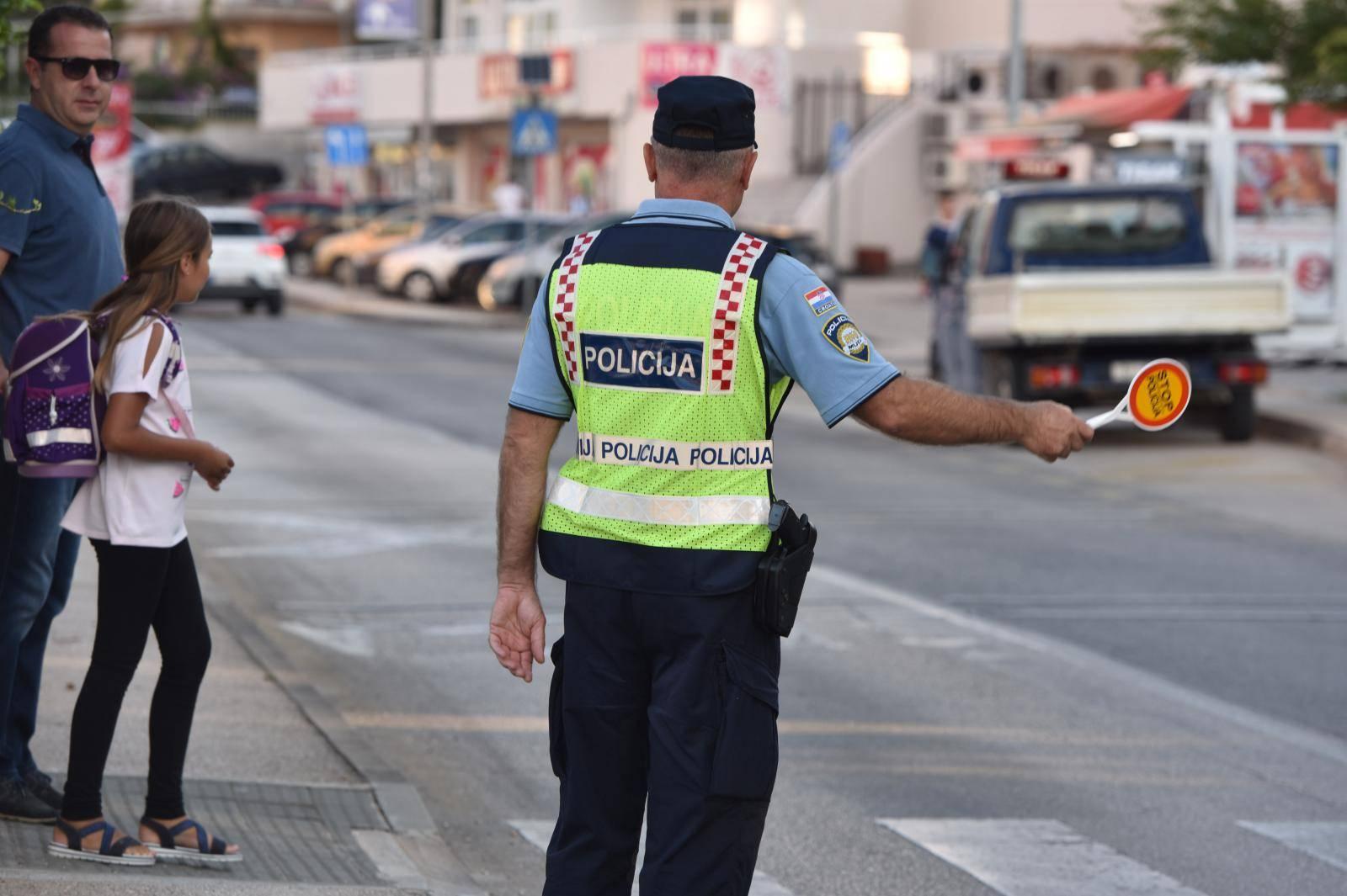Oprez u prometu, počela je škola: 'Poštujte naše znakove'