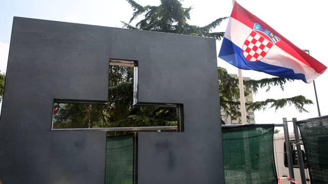 Šibenik: Na Baldekinu postavljen križ u čast poginulim braniteljima