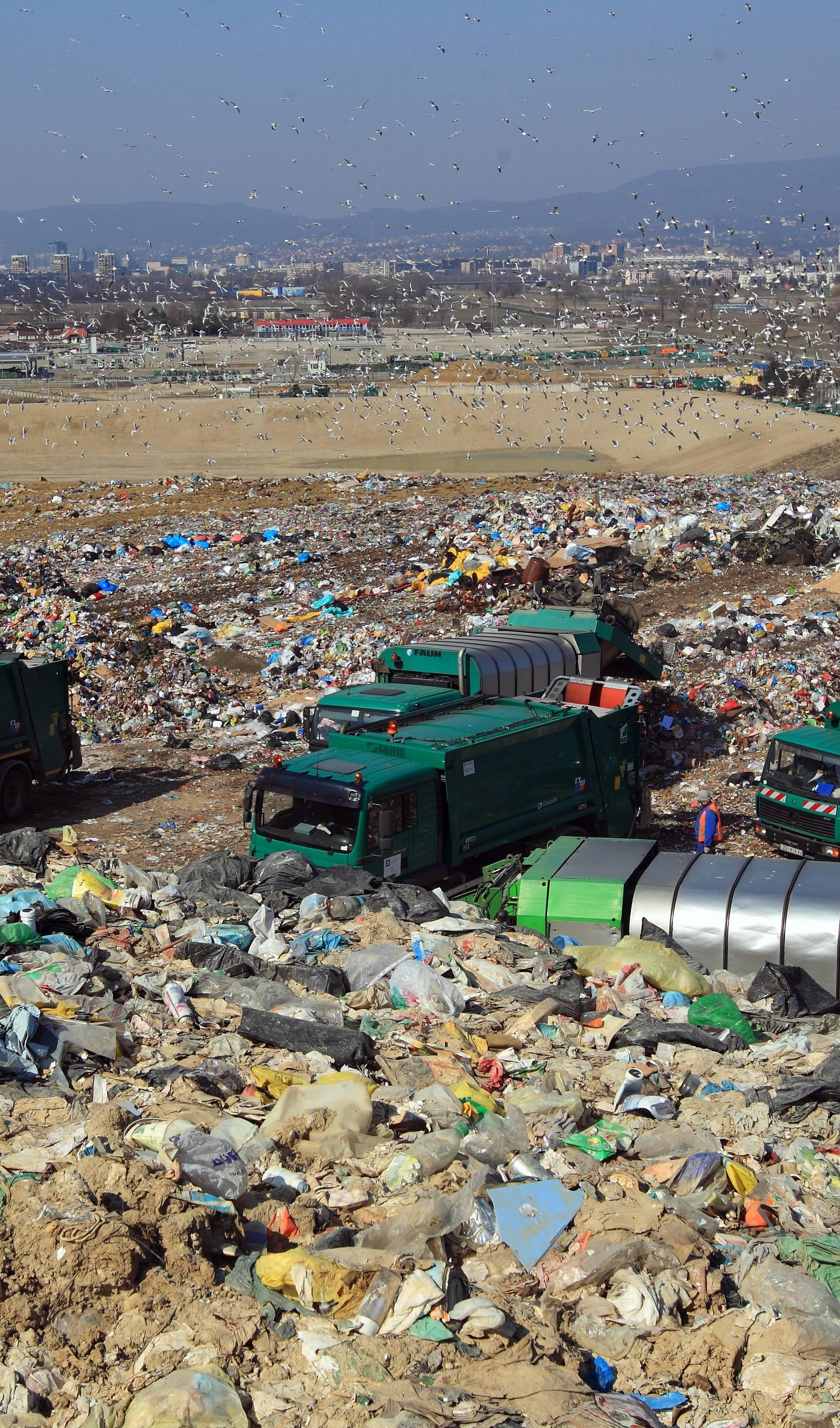 'Naplata smeća je nezakonita. Bandiću, prestani nas pljačkati'