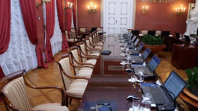 Uskoro uređenje dvorane u kojoj se održava sjednica Vlade