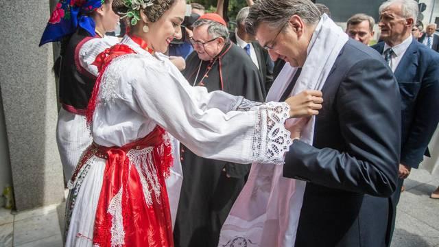 Svečano otvorenje Ureda Zaklade Vrhbosanske nadbiskupije u Vukovaru