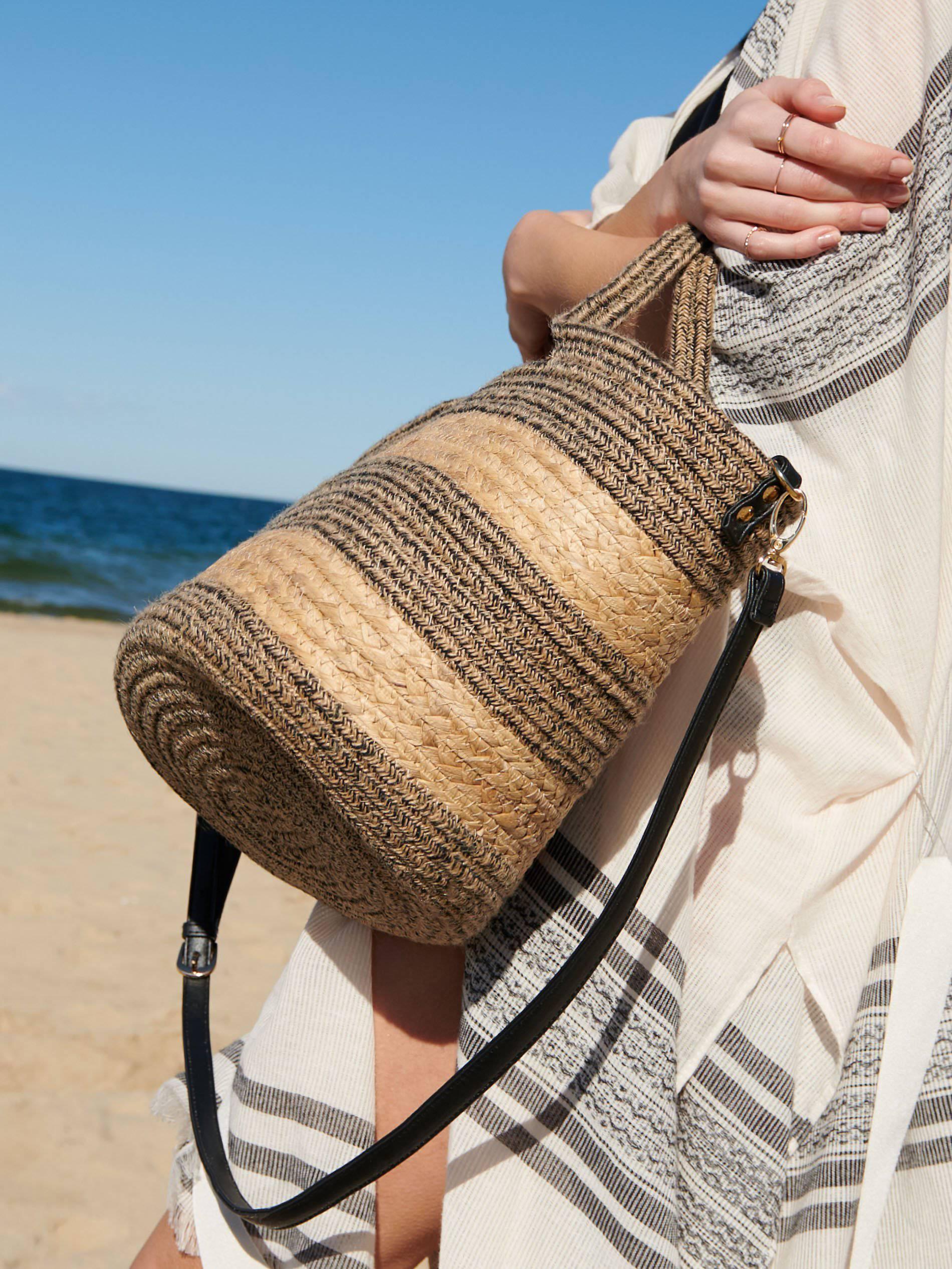 10 odličnih torbi većih dimenzija idealnih za plažu i dane odmora