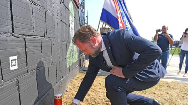 U spomen na poginulog Josipa Briškog  postaljeni su murali u   nekoliko hrvatskih gradova