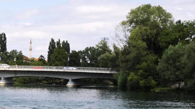 Tragedija u središtu Bihaća: U rijeci Uni utopio se migrant