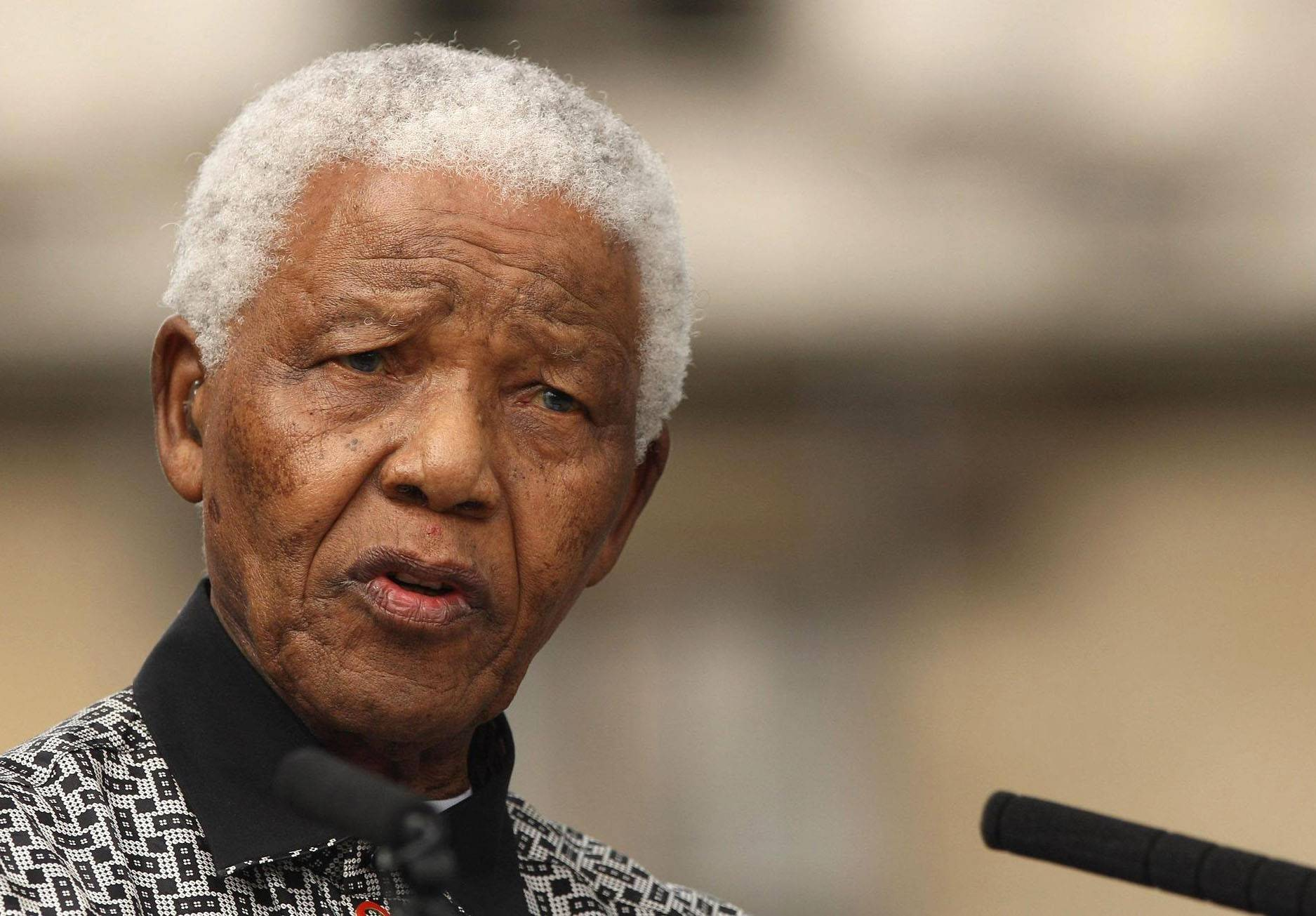 Nelson Mandela ill