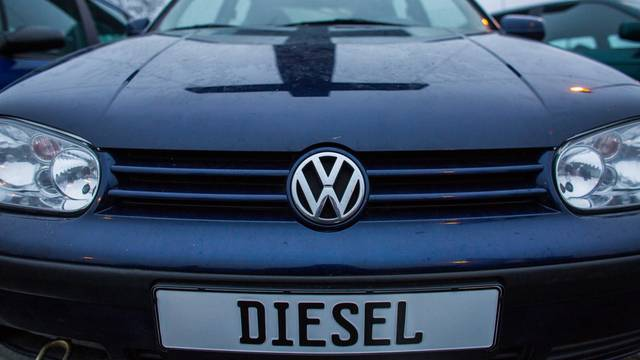 Greenpeace erects Cross at Volkswagen factory