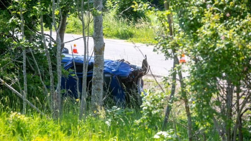 Baške Oštarije: Žena je autom sletjela s kolnika i poginula