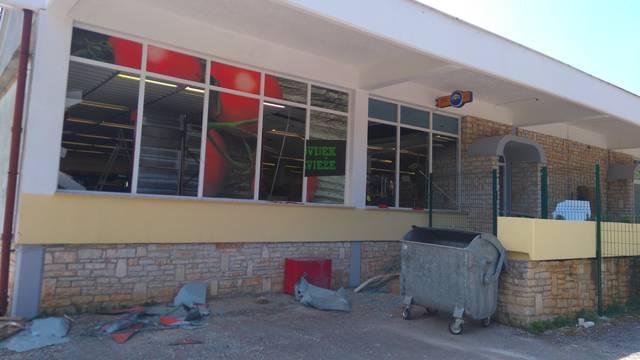 Detonacija u Funtani: Raznijeli bankomat i pobjegli s novcem