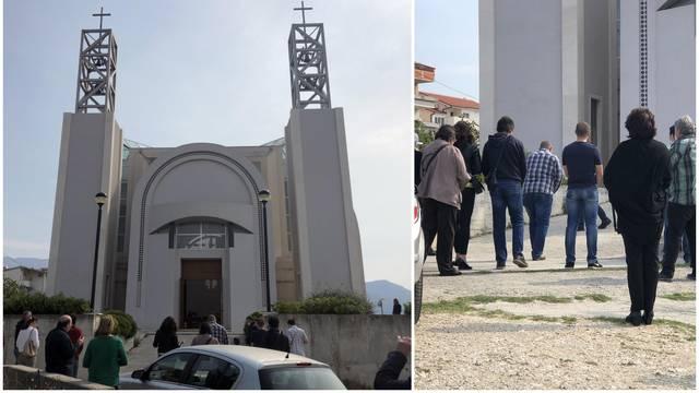 Policija se oglasila o napadu, svećenik je i danas služio misu!