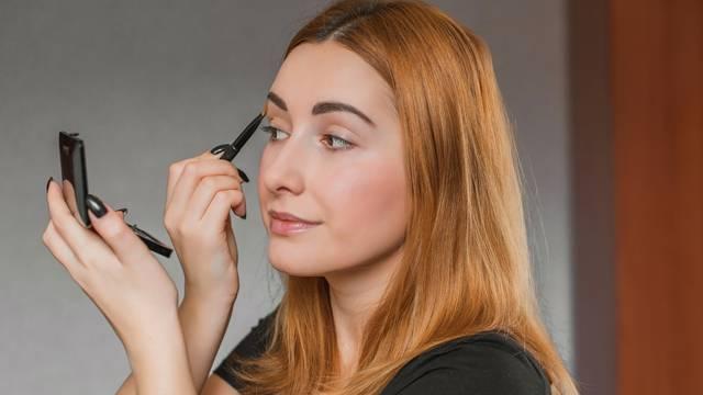 Ovo su 10 najčešćih pogreški koje se rade prilikom šminkanja
