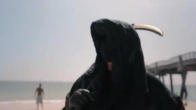 Floridskim plažama šeta Smrt: Samo vas podsjećam na koronu