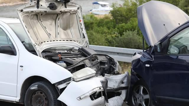 Sudarila se tri automobila kod Šibenika: Ozlijeđeno troje ljudi