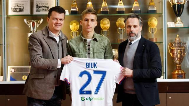 Talentirani junior Hajduka Biuk potpisao profesionalni ugovor