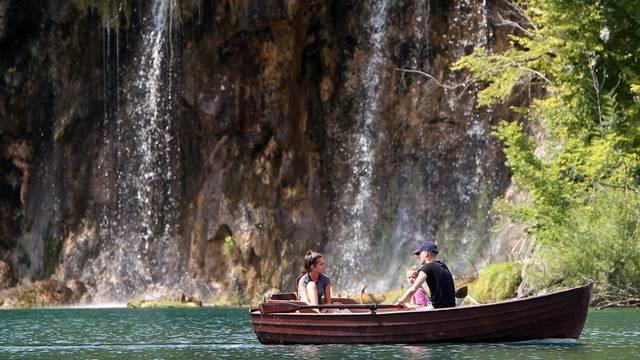 Plitvička jezera: Velike gužve unatoč poskupljenju cijena ulaznica