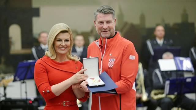 Zagreb: Predsjednica Grabar-Kitarović odlikovala osvajače Davis cupa