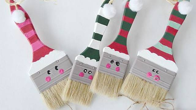 Uz malo vate, gumba i tkanine kist pretvorite u Djeda Mraza