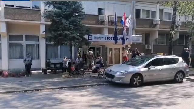 Novi privremeni dom: U Hostel Arena preselili su već 140 ljudi