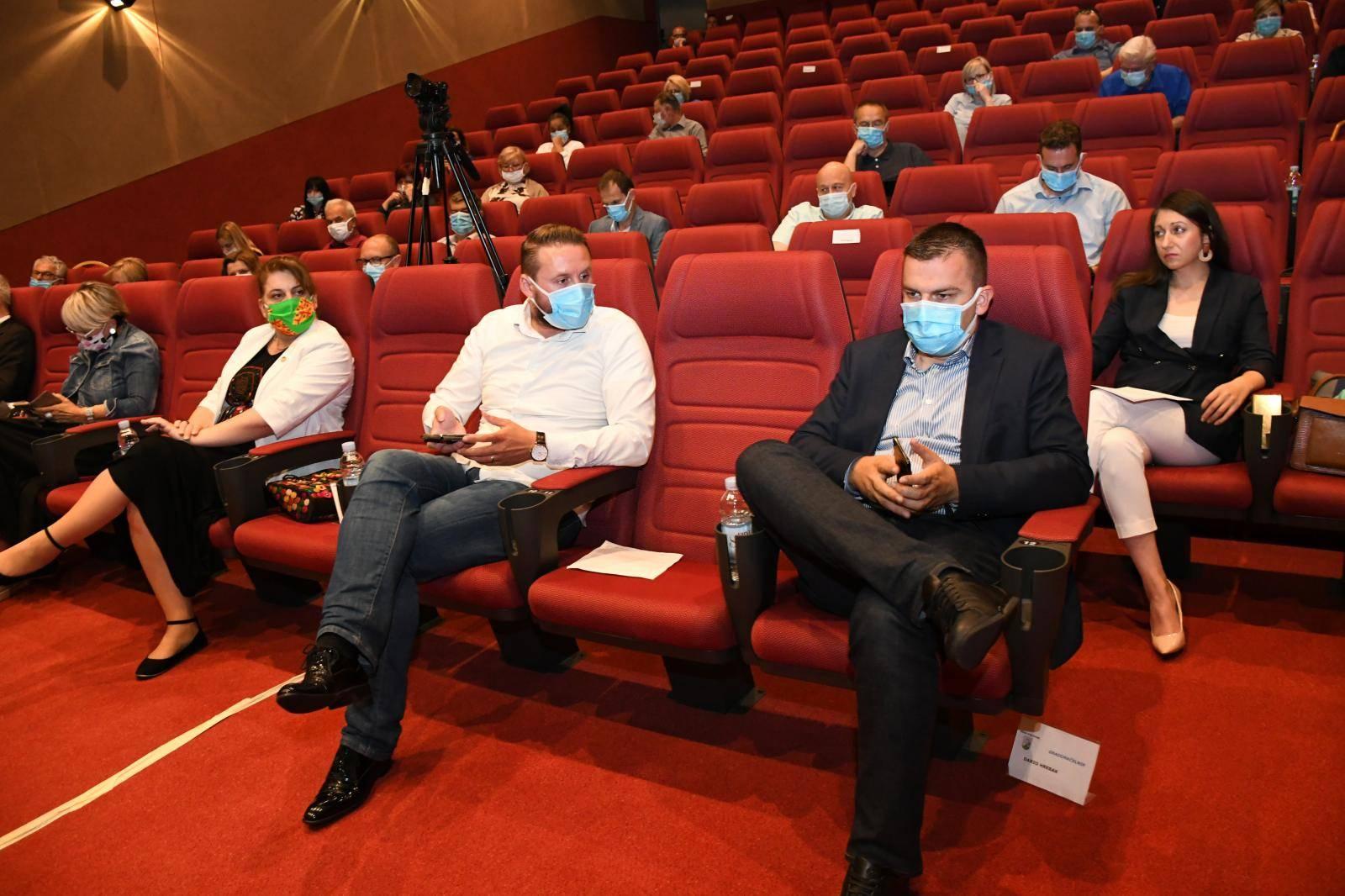 Bjelovar: Na Sjednici Gradskog vijeća čelnici grada i vijećnici nosili maske