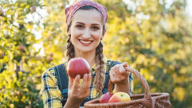 Naručite proizvode naših ljudi: Dostavljaju povrće, meso, ribu