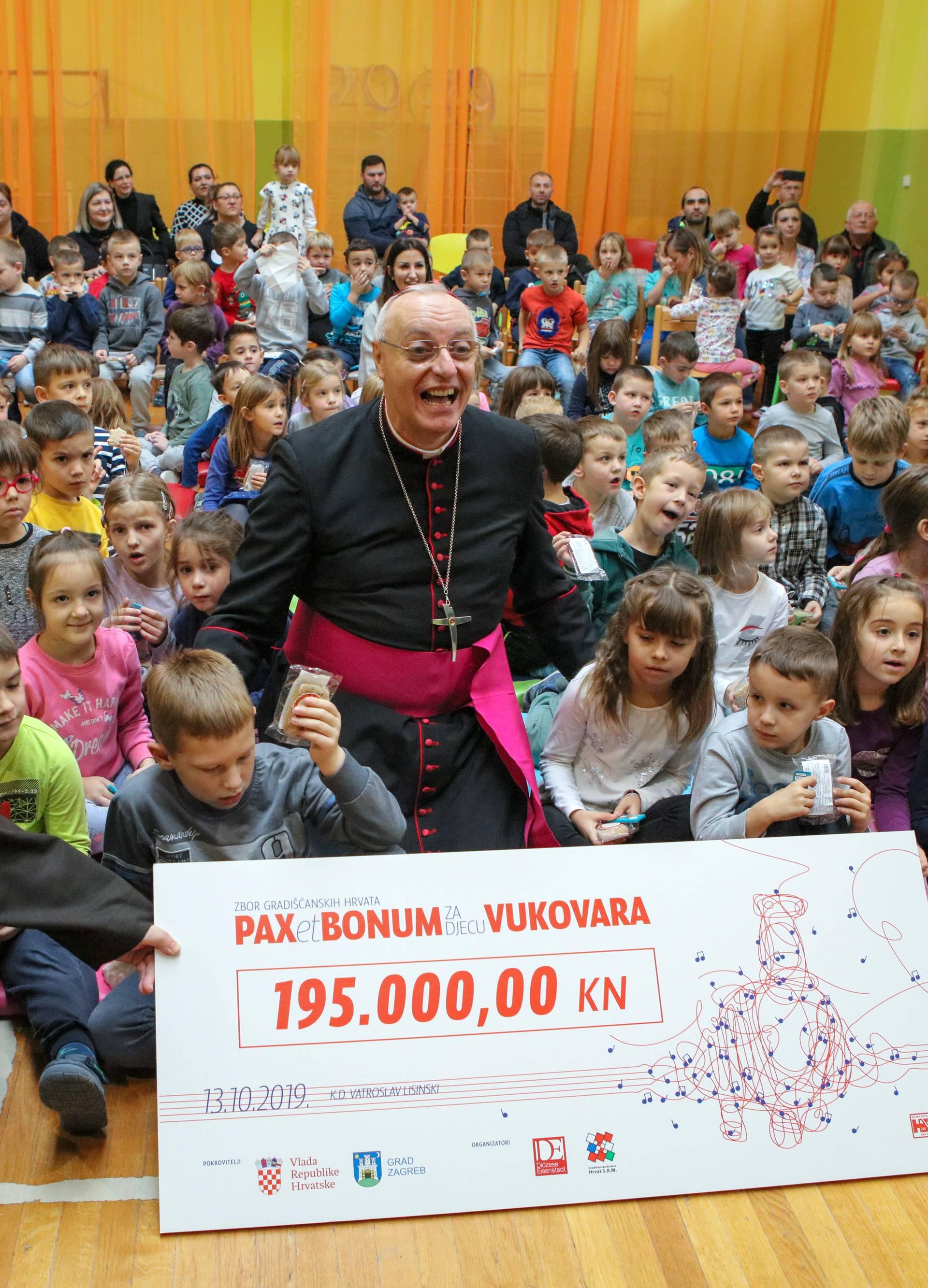 Vukovar: Delegacija gradiščanskih Hrvata i Milan Bandić donirali novac vukovarskom vrtiću
