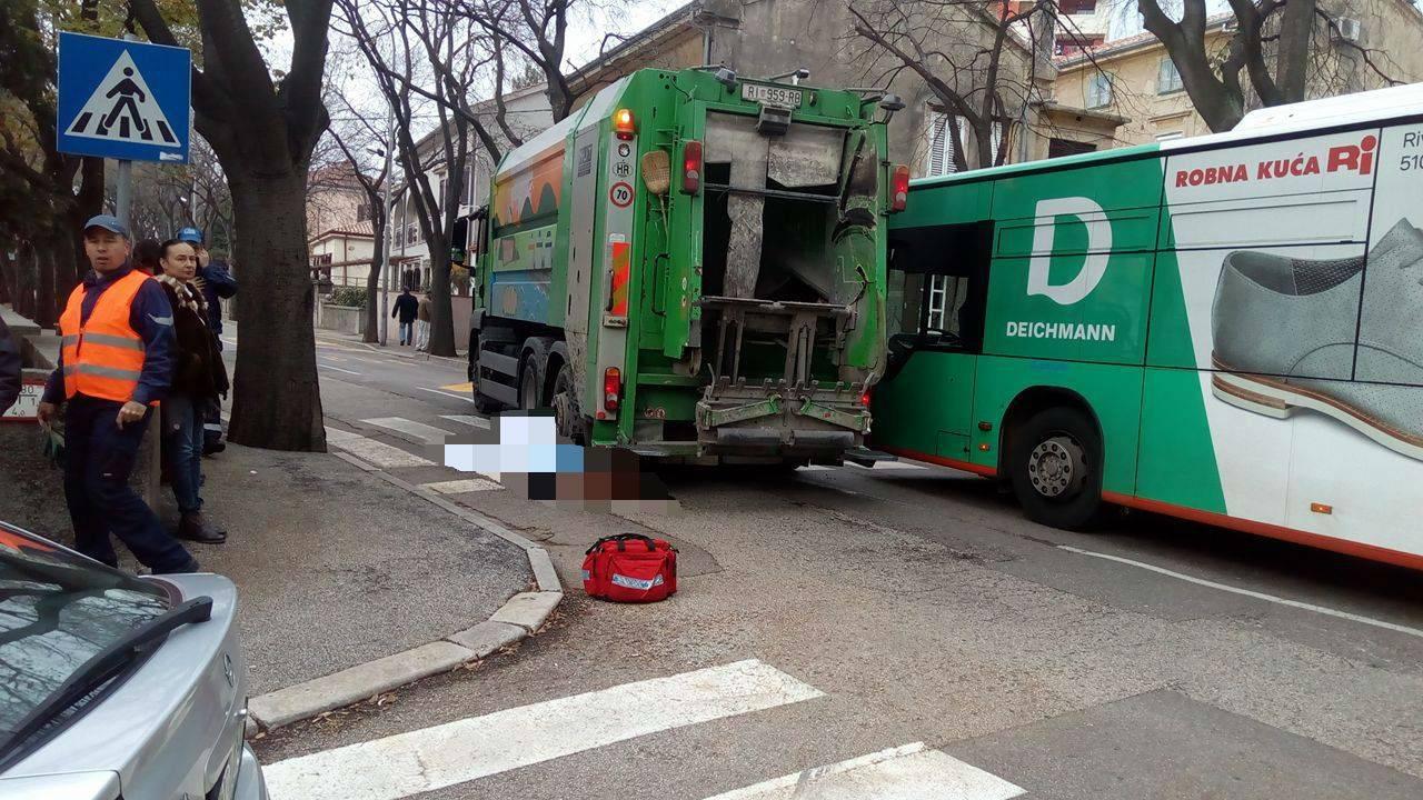 Vozač kamiona Čistoće naletio na pješaka. Nije mu bilo spasa