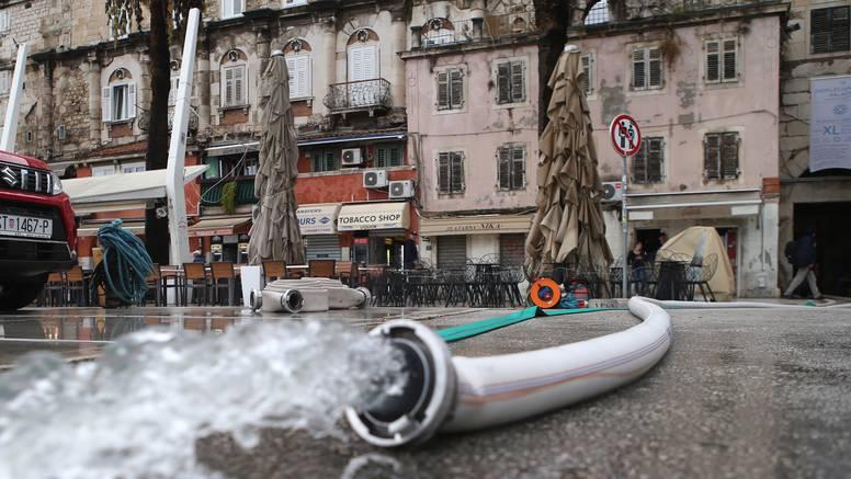 Vodu u Splitu i okolici treba prokuhavati, zamutio se izvor