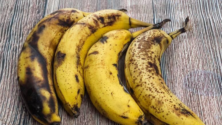 Ideja kako iskoristiti prezrele banane - napravite sočan desert