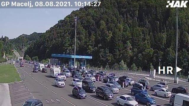 Gužve na cestama: Na A1 nesreće usporavaju promet, gužva je i kod Pelješkog mosta