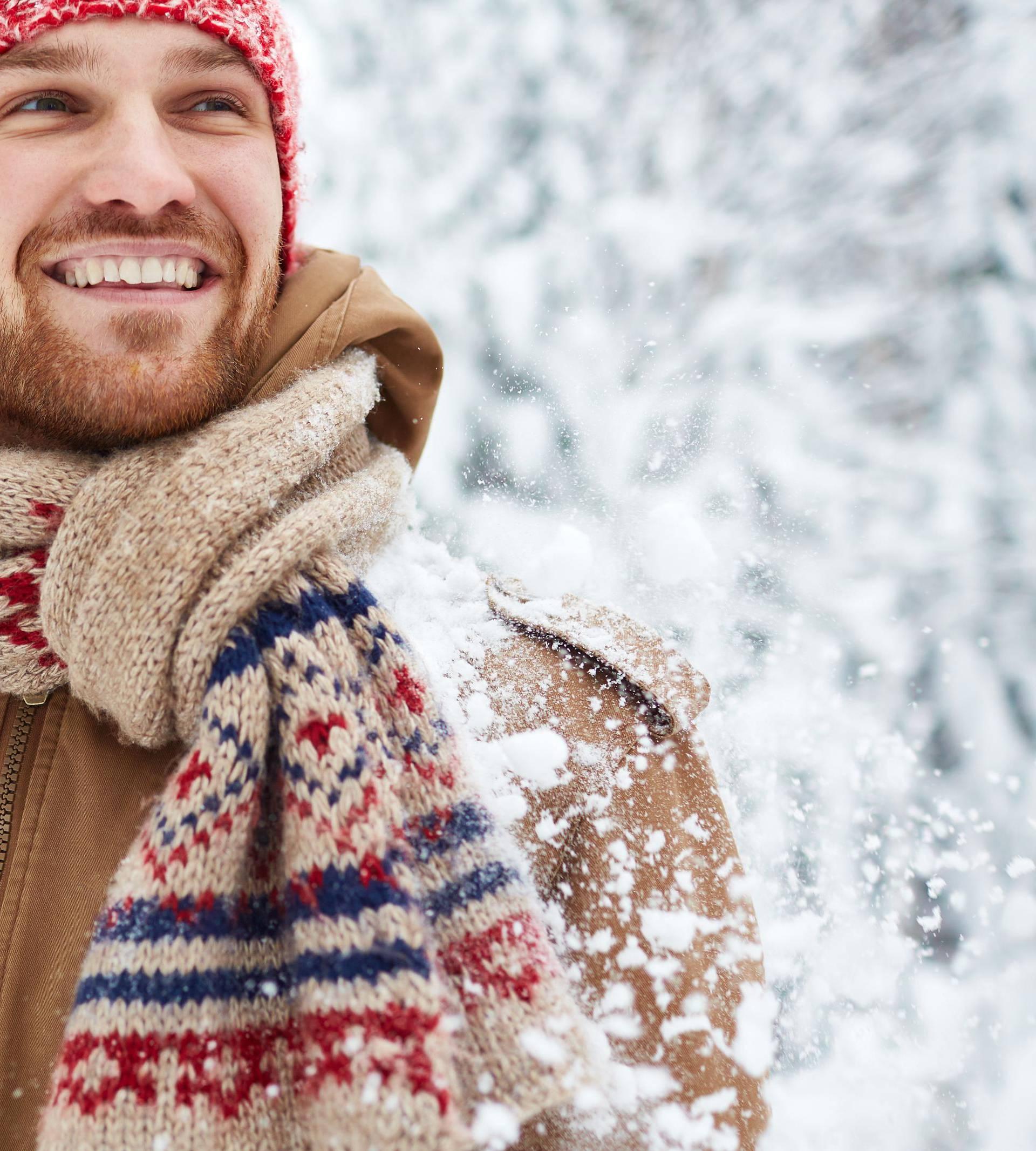 10 načina kako muškarci mogu nositi šal, a izgledati odlično
