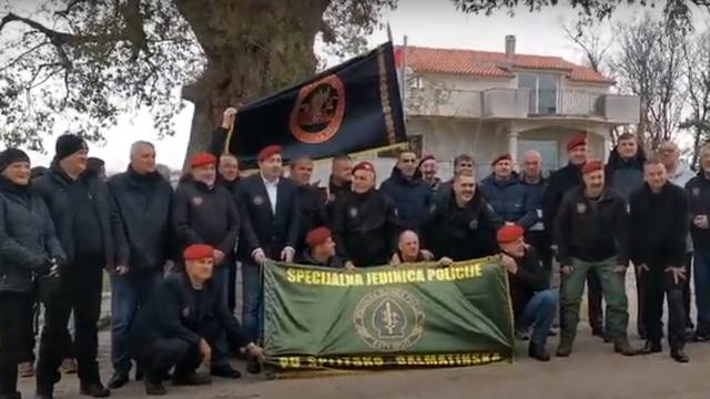 Veterani 4. gardijske brigade uzvikuju 'Za dom spremni'