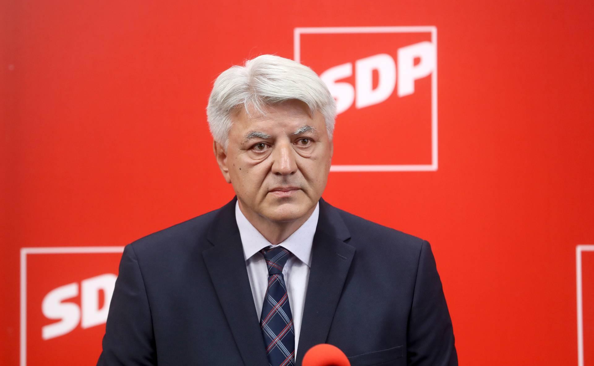'Čuo sam s Plenkovićem i predložio mu sastanak cijele oporbe, no on je to odbio'