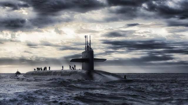 Ruska podmornica prekinula probno testiranje rakete...
