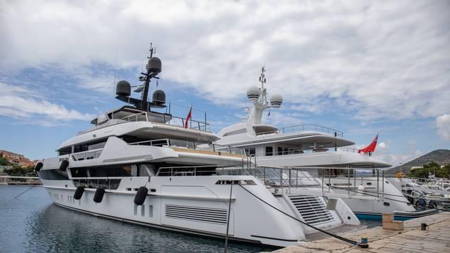 Dubrovnik: I ove godine luksuzne jahte u Gružu, čak i jahta Patara Bernieja Ecclestonea