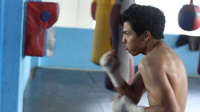Sin bivšeg boksačkog prvaka u teškom stanju, bori se za život