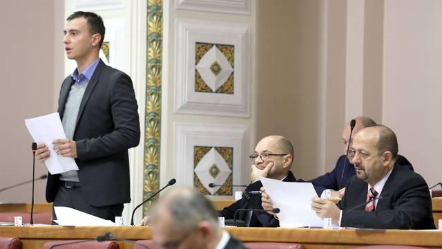 Potresi u strankama: Škibola napustio Živi zid, a Žagar SDP