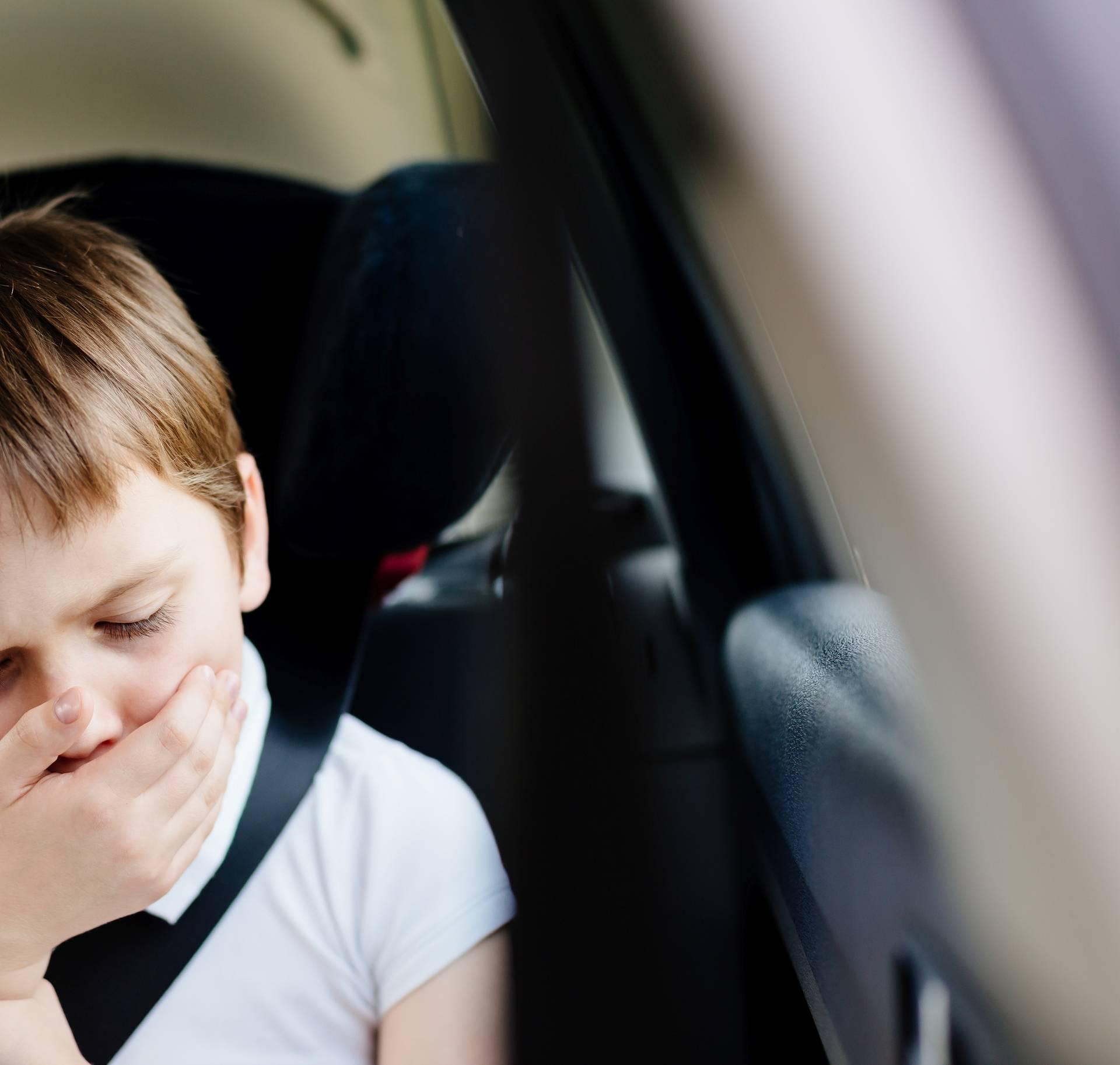 Narukvica protiv mučnine u vožnji i načini kako si pomoći