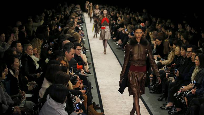 Givenchy otkrio svijet printa, futurizma i opake elegancije