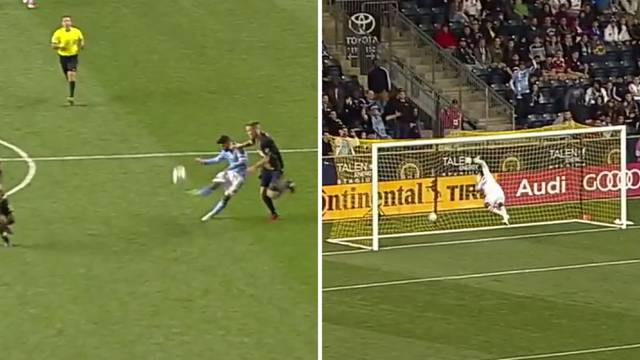 Davide, još nisi za penziju: Evo kako Villa pogađa s 45 metara!