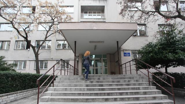 Učenički dom u Zadru: Ravnatelj strancima naplaćivao smještaj u karanteni putem svog računa?!