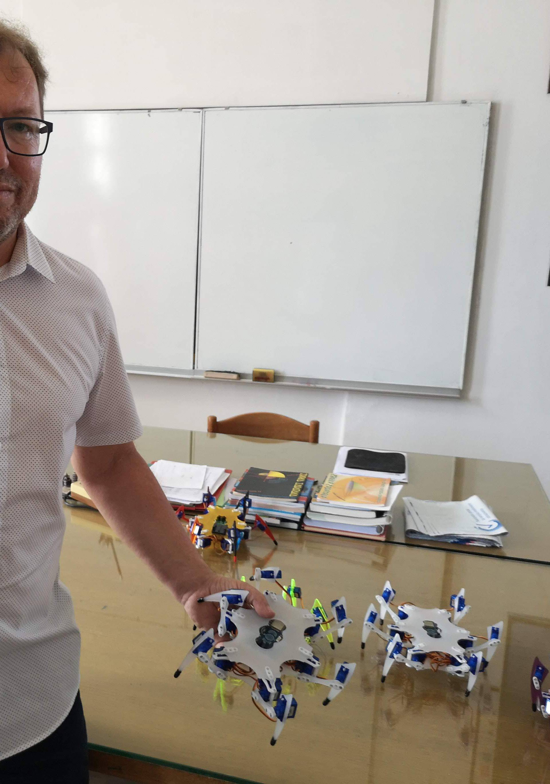 'Đaci će smisliti ideje za robote koje meni ne bi pale na pamet'